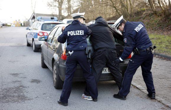 Was darf die Polizei bei einer Personenkontrolle?